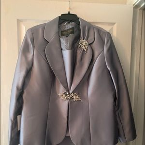 Other - NWT 3 piece Moshita Coture Silver Suit